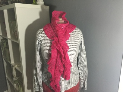 Sparkly short row ruffle scarf
